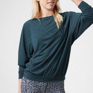 Sweaty Betty Cindy Relaxed Long Sleeve Base Layer Top Green, size Xsmall